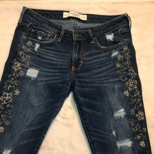 Abercrombie & Fitch Jeans With Gold Detailing